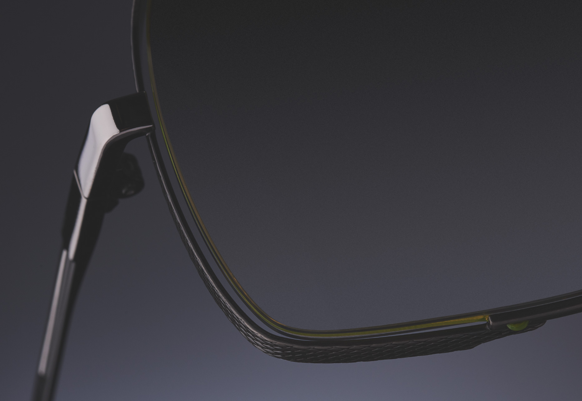 FLOATING SIDE LENS RIM WITH NYLOR AND DIAMOND DETAIL